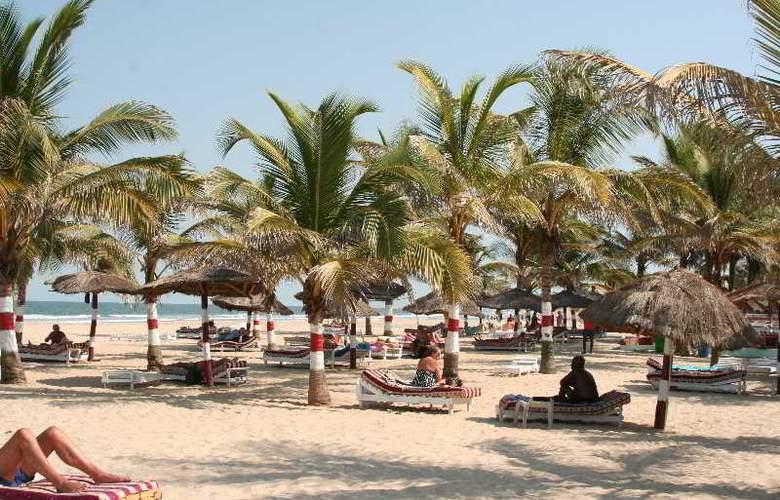 Palm Beach Hotel - Beach - 15