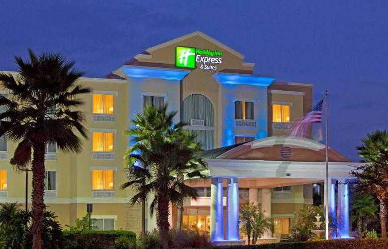 Holiday Inn Express & Suites Tampa - Hotel - 15