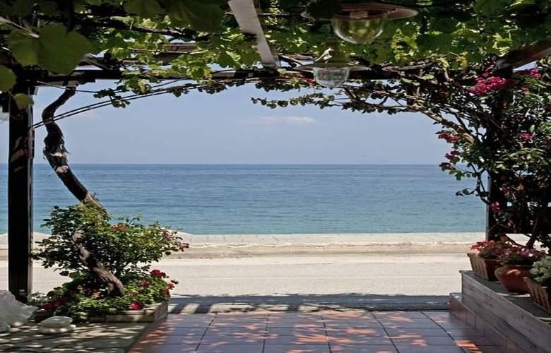 Sofokles - Beach - 10