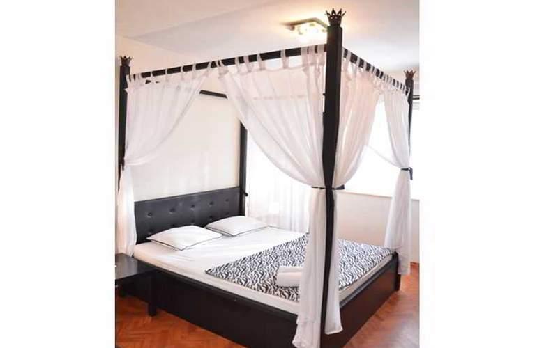 Kalonis Hostel - Room - 0