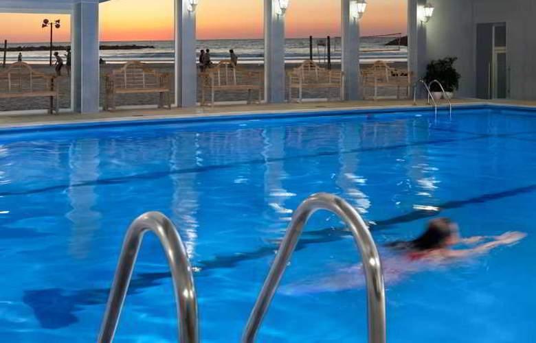 Renaissance Hotel Tel Aviv - Pool - 3