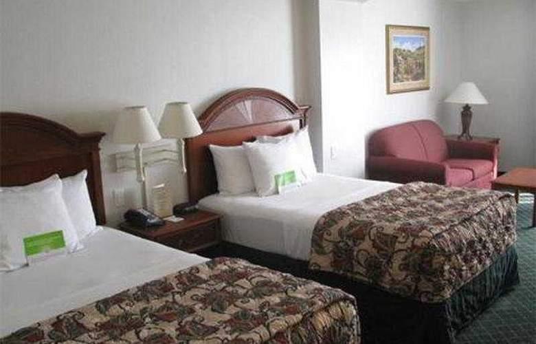 La Quinta Inn & Suites Arlington North 6 Flags Dr - Room - 3