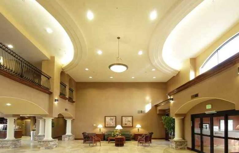 Hampton Inn & Suites Hemet - Hotel - 1