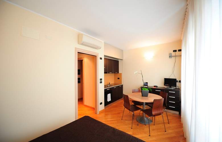 Residence Corvetto Porto di Mare - Room - 10