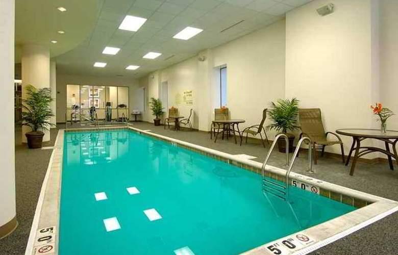Hampton Inn & Suites Milwaukee Downtown - Hotel - 9