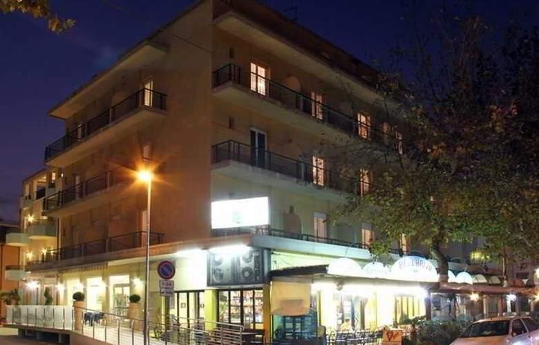 Globus - Hotel - 0