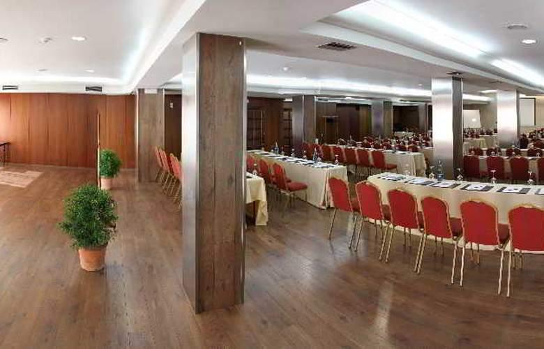 Ciudad de Vigo - Conference - 12