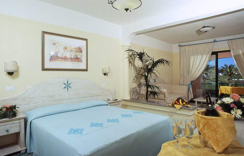 Club Marina Beach - Room - 1