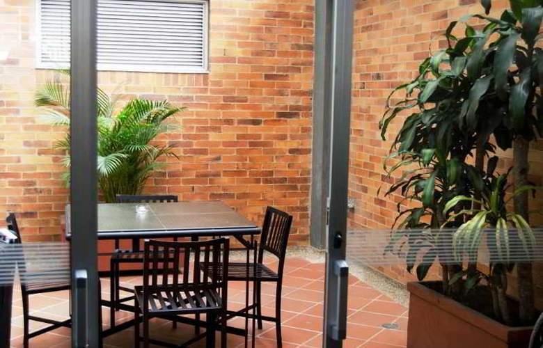 Apartahotel 122 Plaza - Hotel - 3