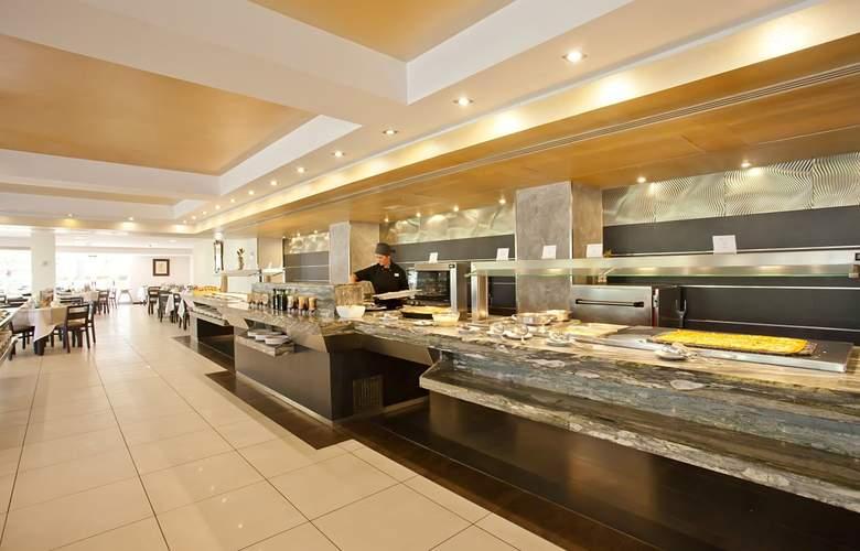 Fergus Bermudas - Restaurant - 18