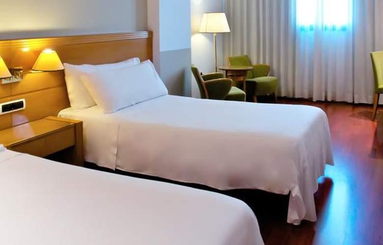 Tryp Málaga Alameda - Room - 8