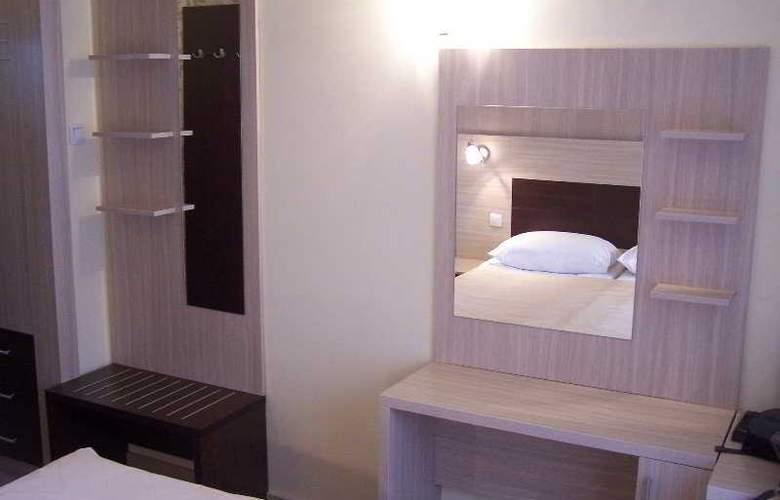 Hotel Royal - Room - 9