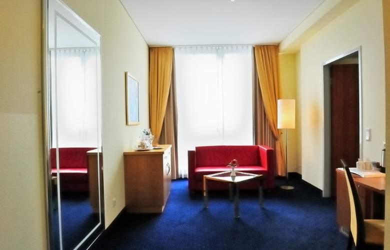 H+ Berlin Mitte - Room - 8