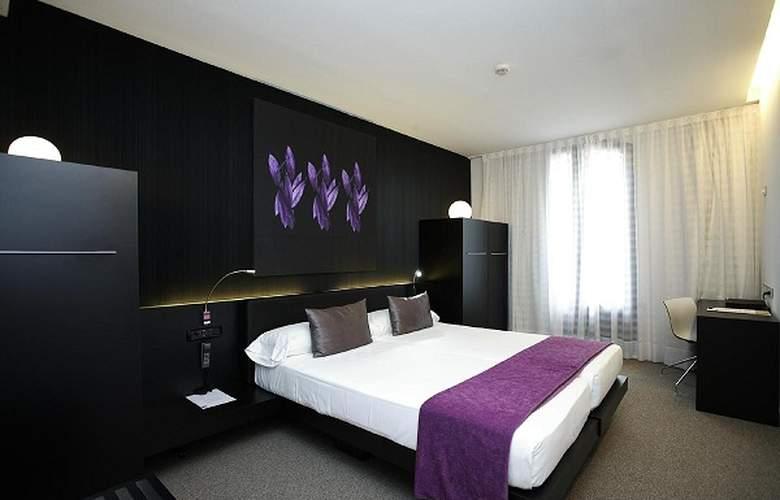 Petit Palace Barcelona Plus - Room - 18