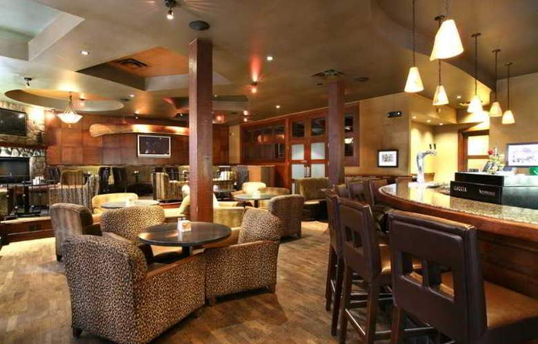 Sandman Hotel Red Deer - Bar - 6