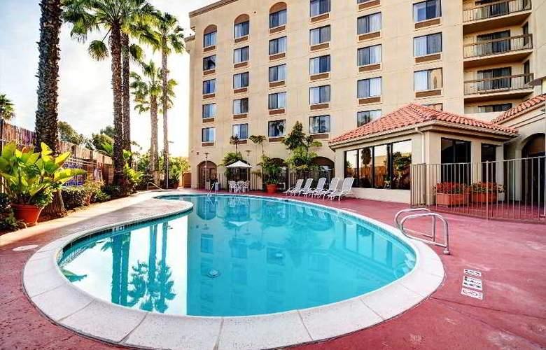 Holiday Inn Select San Diego North Miramar - Pool - 6
