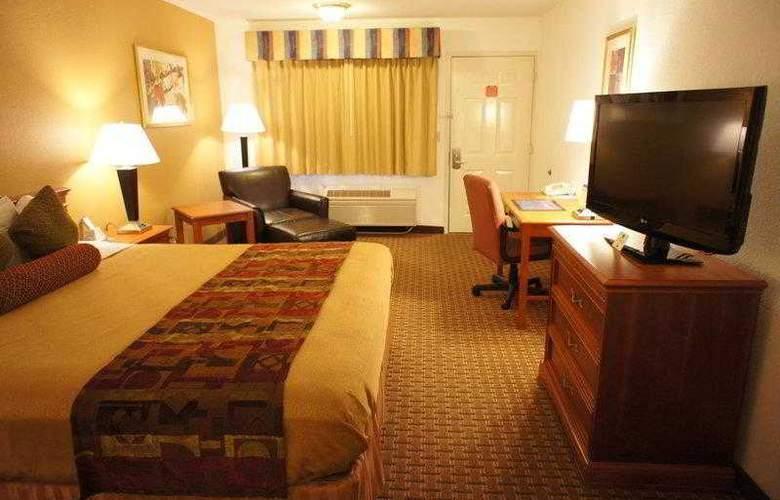 Best Western Plus Orchard Inn - Hotel - 21