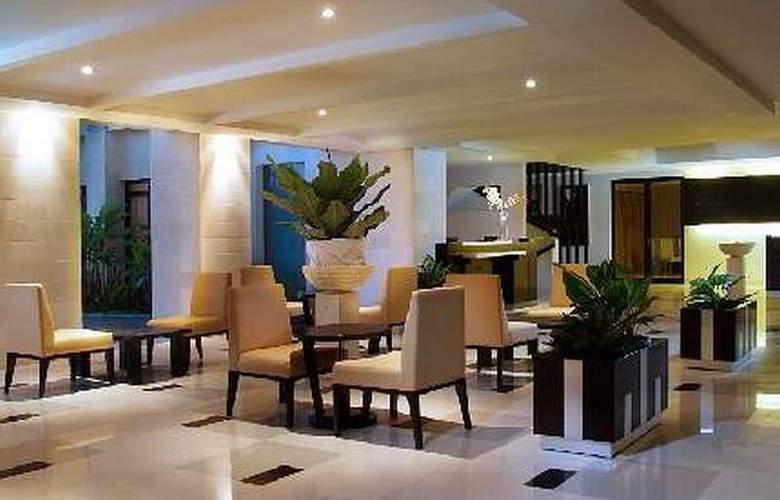 Grand Kuta Hotel and Residence - Bar - 16