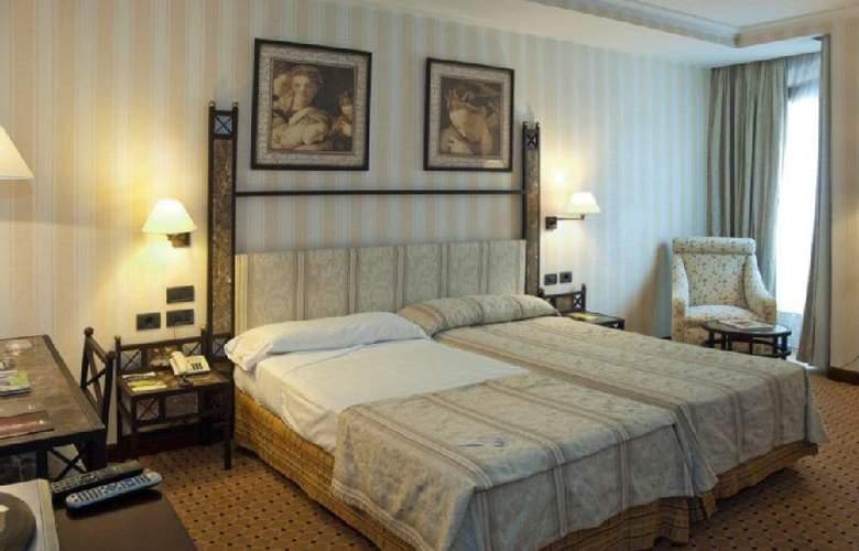 Gran Vía - Room - 16