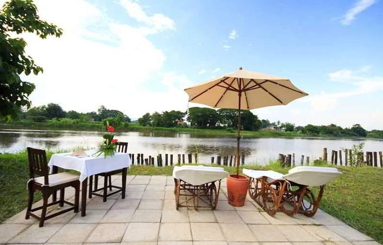 Legend Chiang Rai Boutique River Resort & Spa - Terrace - 7