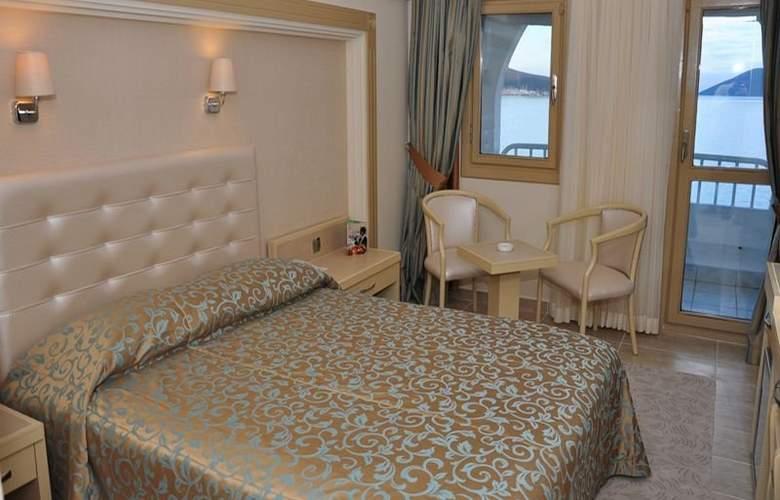 Azka Hotel - Room - 3