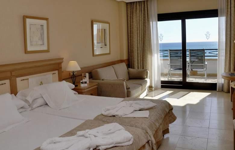 SH Villa Gadea - Room - 2