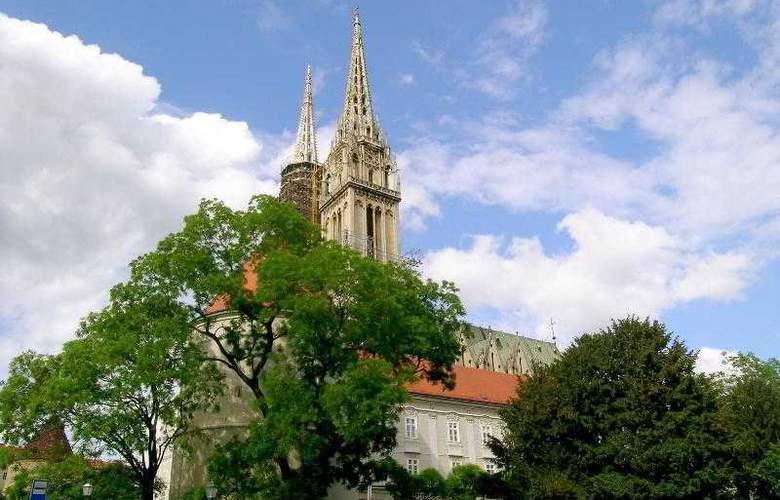 Sheraton Zagreb - Hotel - 9