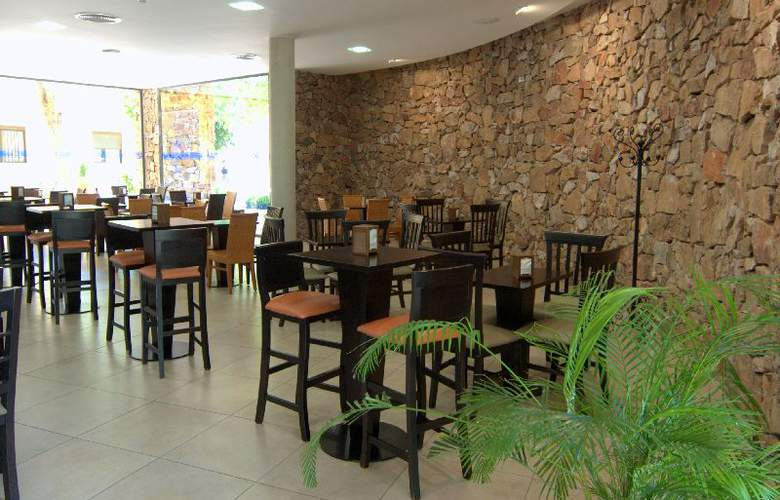 Balneario de Benito - Restaurant - 4