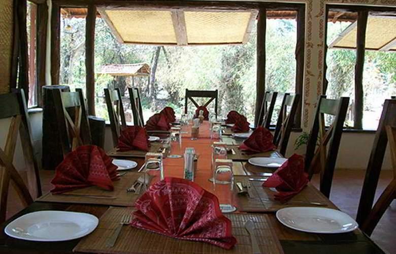 Bandhavgarh Jungle Lodge - Restaurant - 8