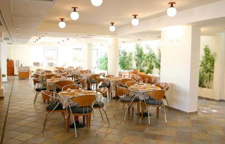 Flisvos Royal Tolo - Restaurant - 11
