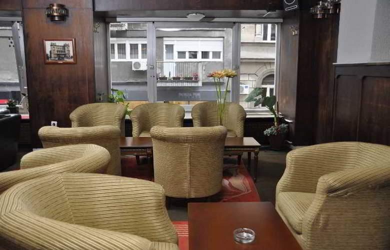 Hotel Royal - Bar - 10