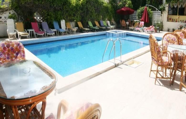 Saadet Hotel - Pool - 5