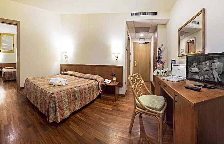 Tivoli - Room - 9