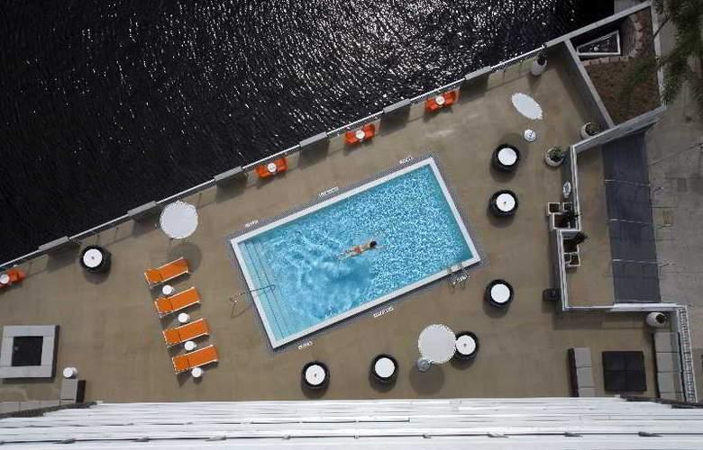 Aloft Tampa Downtown - Pool - 2