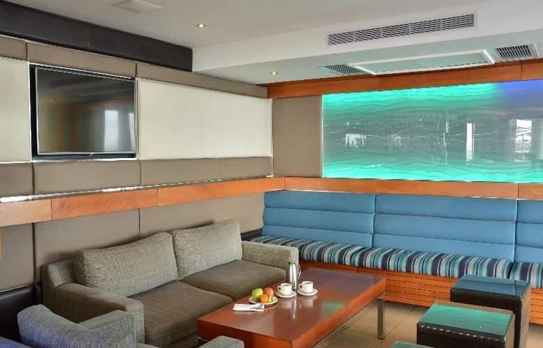 Radisson Blu Hotel Waterfront, Capetown - Restaurant - 22