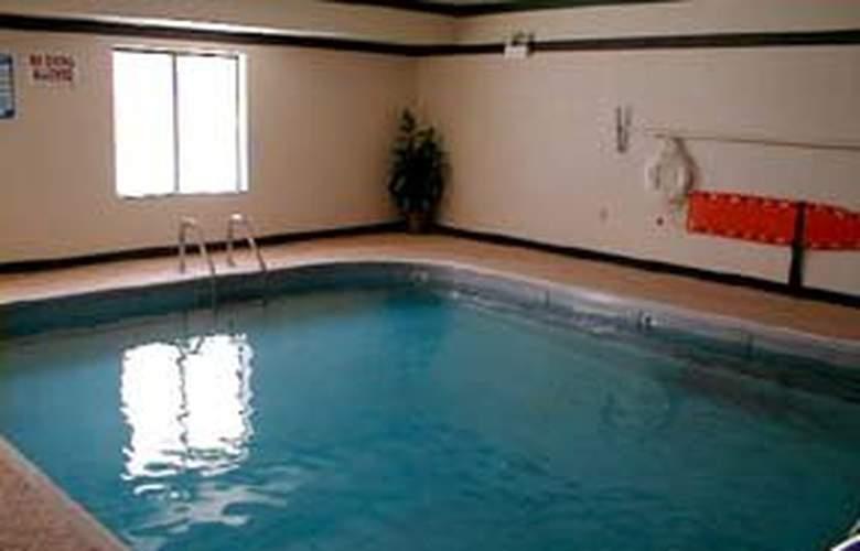 Comfort Inn (Planfield) - Pool - 4
