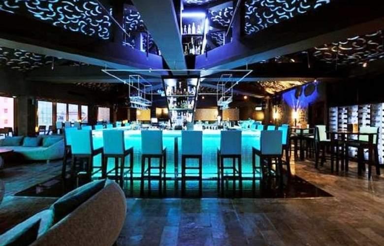 Eastin Grand Hotel Saigon - Bar - 13