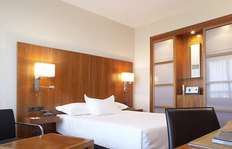 Ac Malaga Palacio - Room - 3