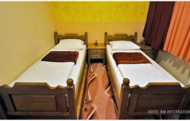 BM Interational Hotel - Room - 1