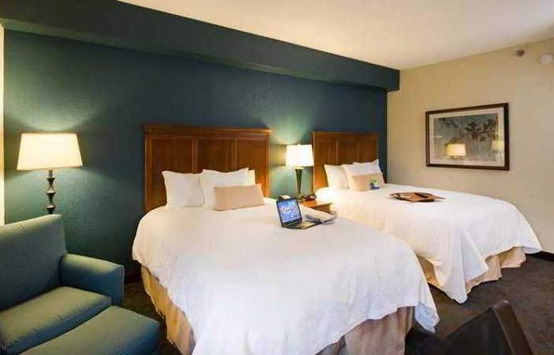 Hampton Inn Atlanta- Stone Mountain - Hotel - 1