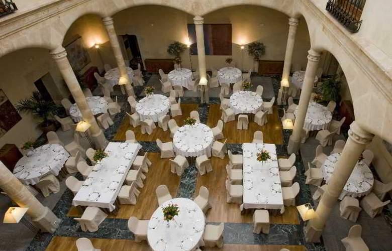 NH Collection Salamanca Palacio de Castellanos - General - 2