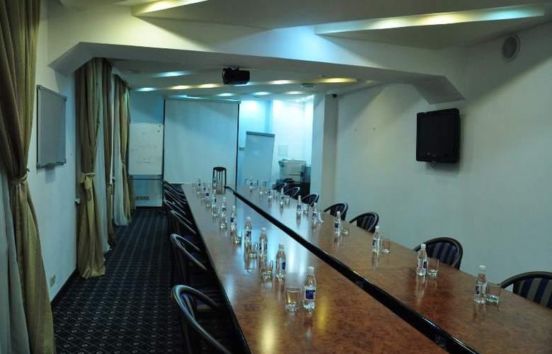Kassado-Plaza - Conference - 13