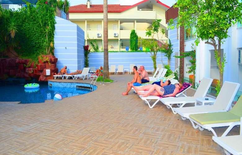 Sunbird Apart Hotel - Pool - 24