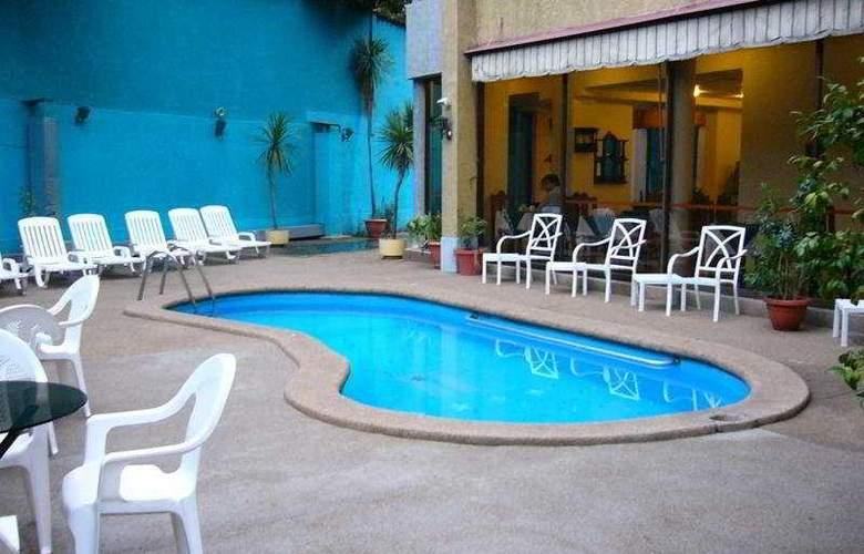 Alcala del Rio - Pool - 5