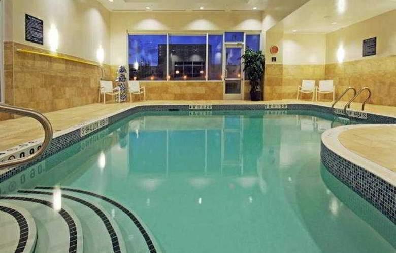 Holiday Inn Express & Suites Markham - Pool - 7