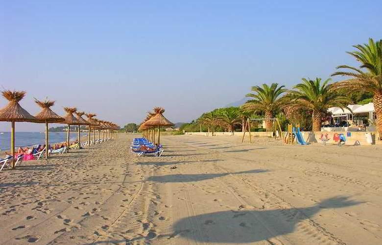 San Pellegrino - Beach - 6