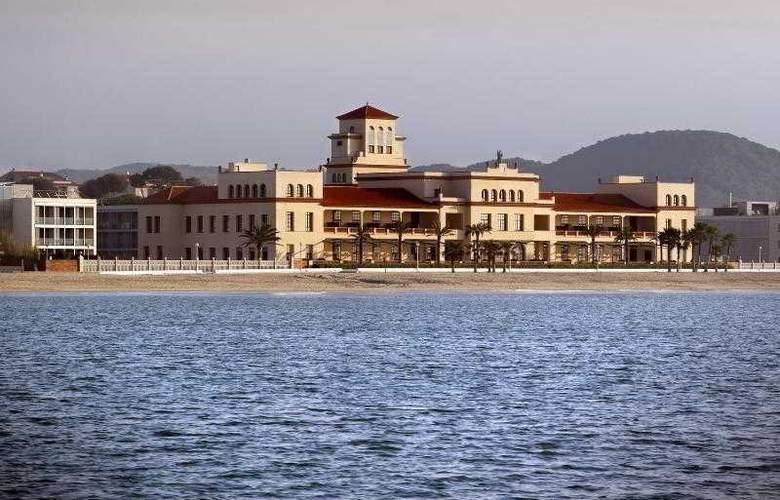 Le Meridien Ra Beach Hotel & Spa - Beach - 52