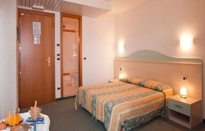 Salus - Hotel - 3