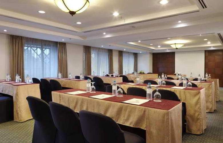 Ambassador Row Serviced Suites by Lanson Place - Conference - 9