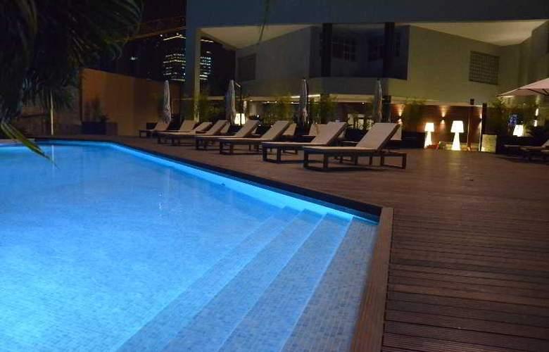 Tropico - Pool - 9
